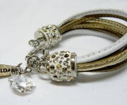 Leder Armband mit Swarovski Elements Kristallen -